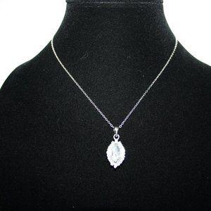 "Vintagejelyfish Jewelry - 18kGP CZ silver necklace 16"""